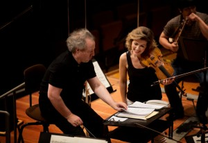 Mutter with Manfred Honeck and Berlin Philharmonic © Harald Hoffmann DG