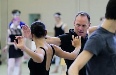 Ted Brandsen in rehearsal © Altin Kaftira