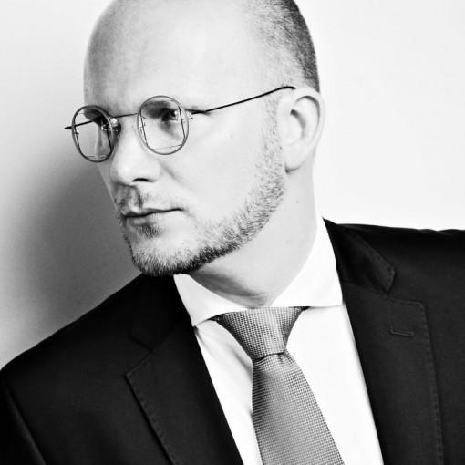 Sebastian F Schwarz