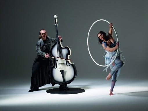 Basseo – combines music and acrobatics
