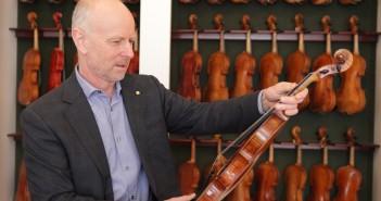 Instrument auctions