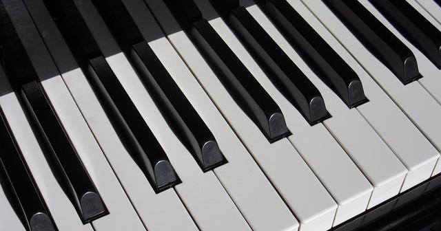 piano-1011440_640