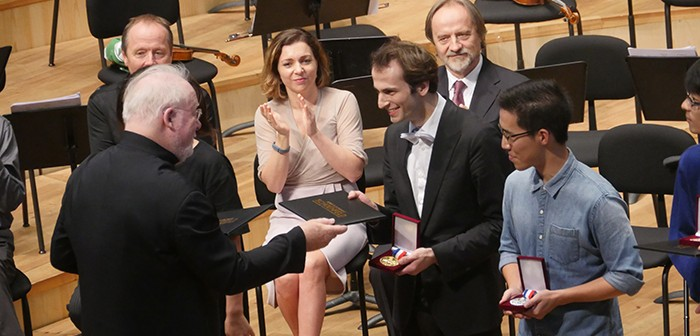 Lynn Harrell co-chair of 2016 jury committee, cello winners Christoph Croisé and runner-up Eunghee Cho