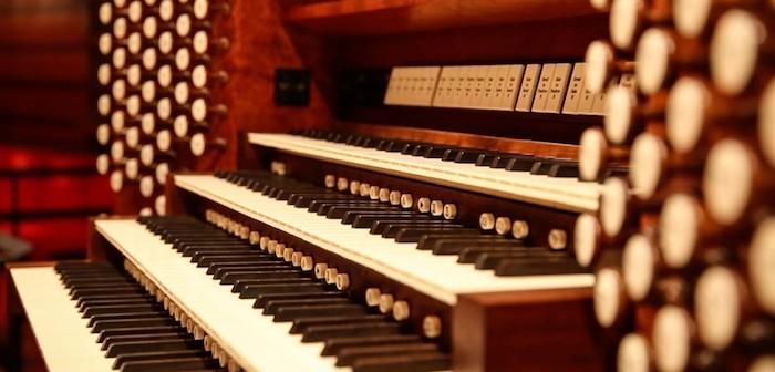Fred J Cooper Memorial Organ © Chris Lee