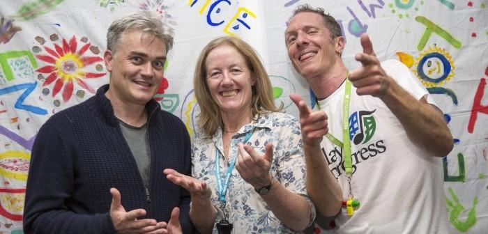 Edward Gardner visiting the Refugee Council in Croydon © Simon Jay Price
