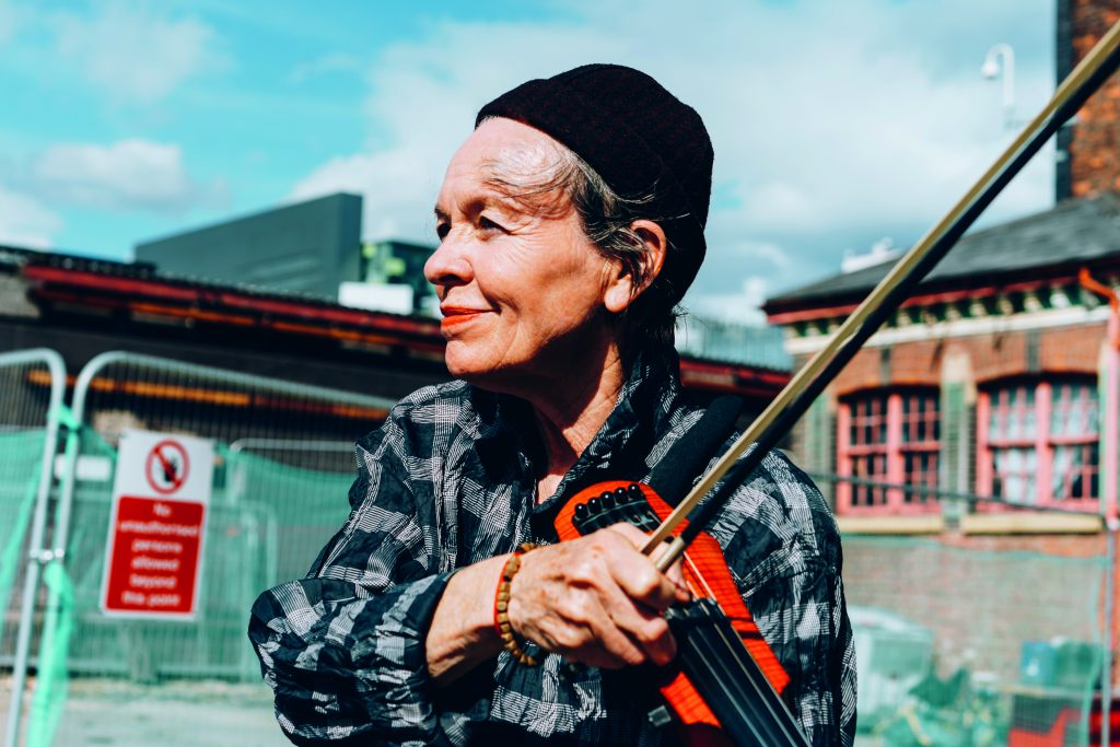 Laurie Anderson at The Factory © Tarnish Vision