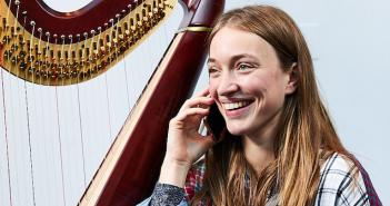 Harpist Lise Vandersmissen © Paul Cochrane